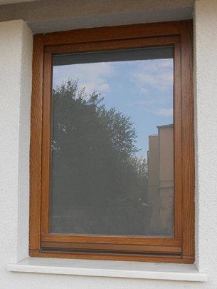 Fereastra lemn stratificat cu geam termopan