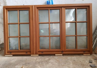 Ferestre geam termopan cu tamplarie din lemn stratificat