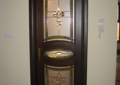 usa interior din esenta rasinoasa cu geamuri, lemn stratificat